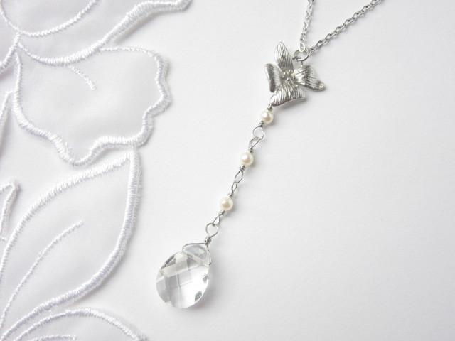 氷の花のネックレス