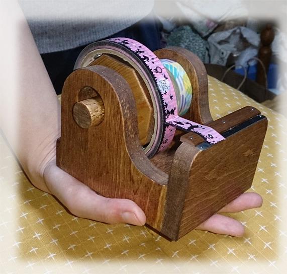 手のひらサイズで超便利、新超ミニ楽セロマスキングテープカッター