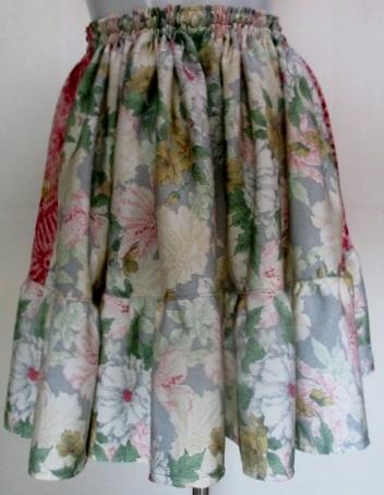 送料無料 絞りと花柄の着物で作ったミ...