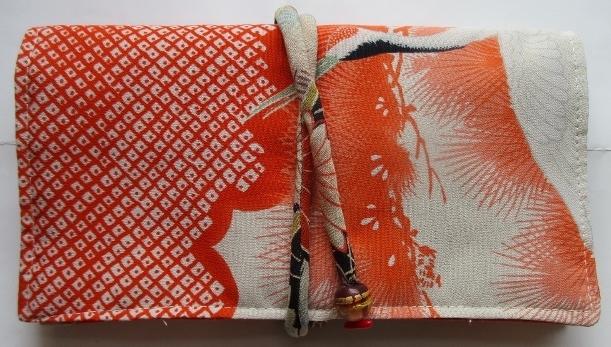 送料無料 鶴の絵柄の長襦袢で作った和...