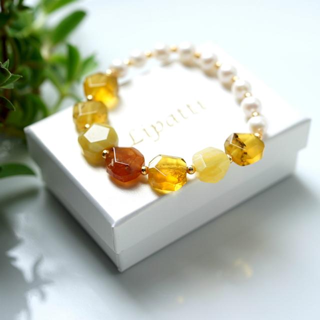 真珠とイエローオパールのブレスレット...