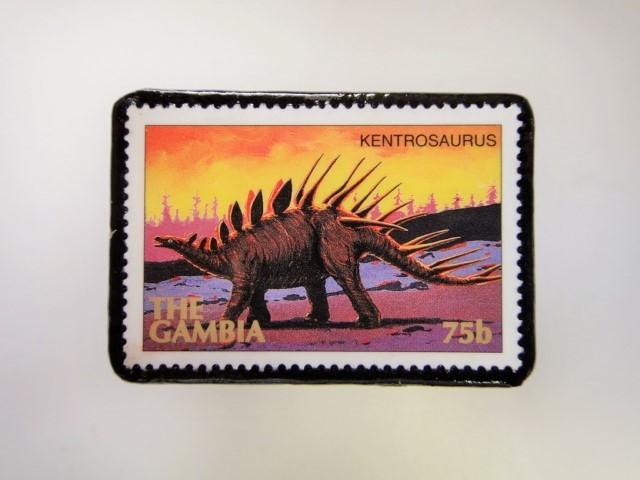 ガンビア 恐竜切手ブローチ 2738