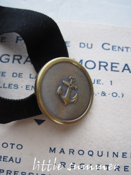 フランスボタンのヘアタイ