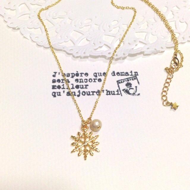 雪の結晶×コットンパールのネックレス
