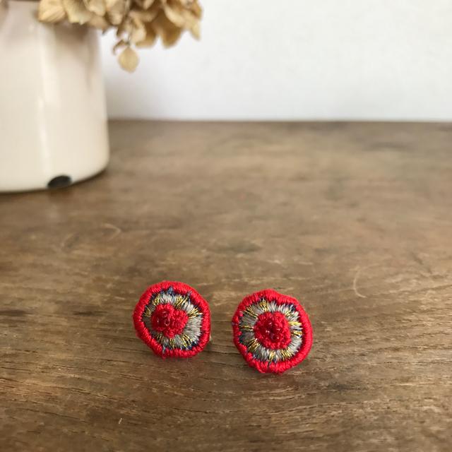 34opus 刺繍の耳飾り