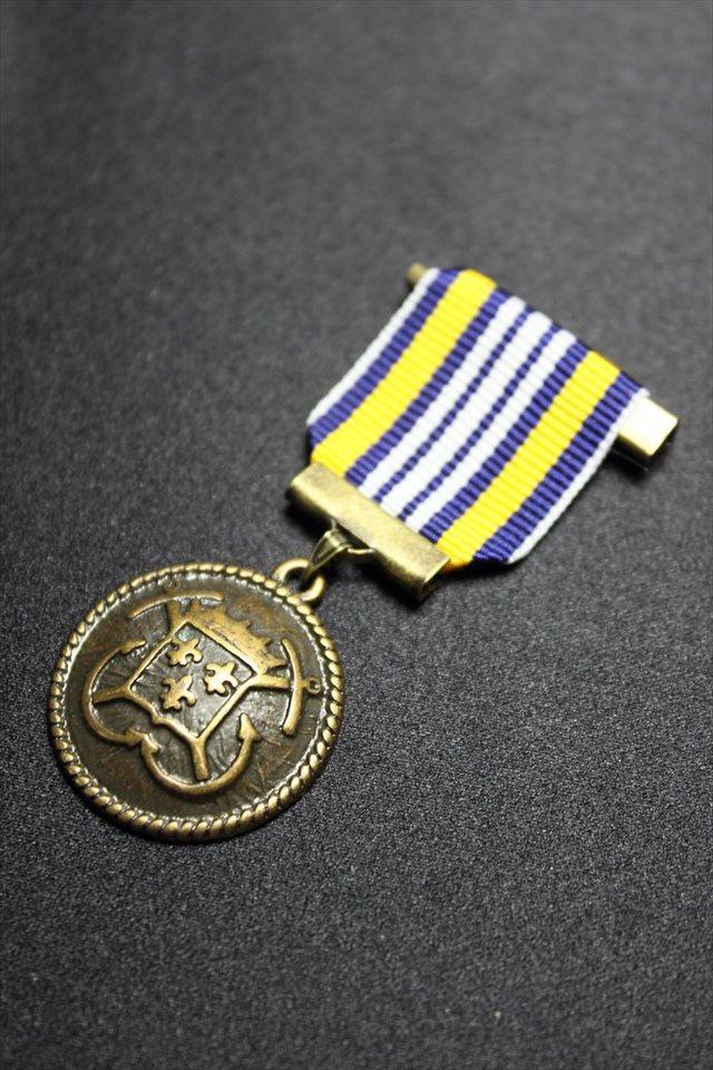 勲章ブローチ(エンブレムメダル3)(全6色)