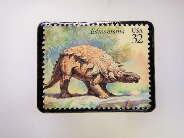 アメリカ 恐竜切手ブローチ 2748