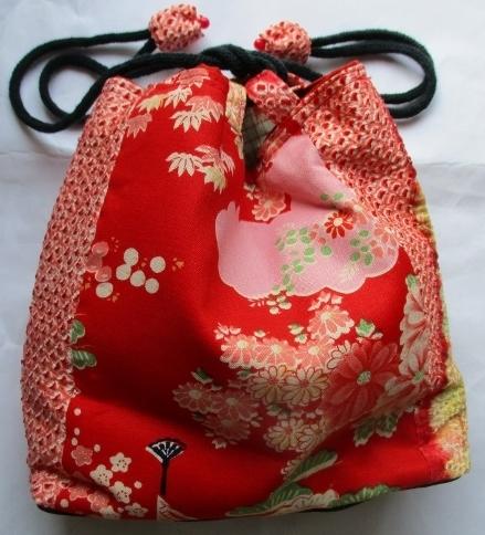 送料無料 絞りの羽織と花柄の着物で作...