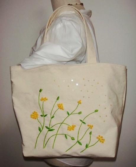 黄色いお花のトートバッグ(刺繍&ビーズ)