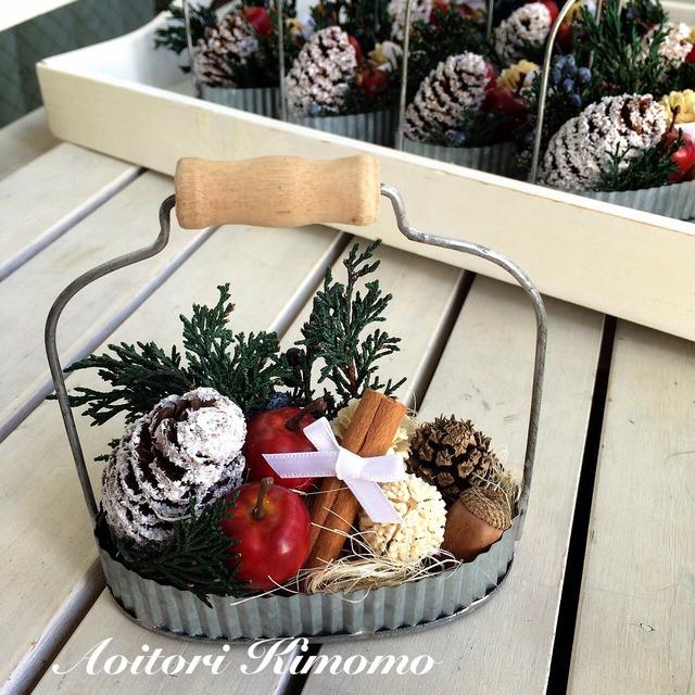 《送料無料》ブリキトレーのクリスマスアレンジ