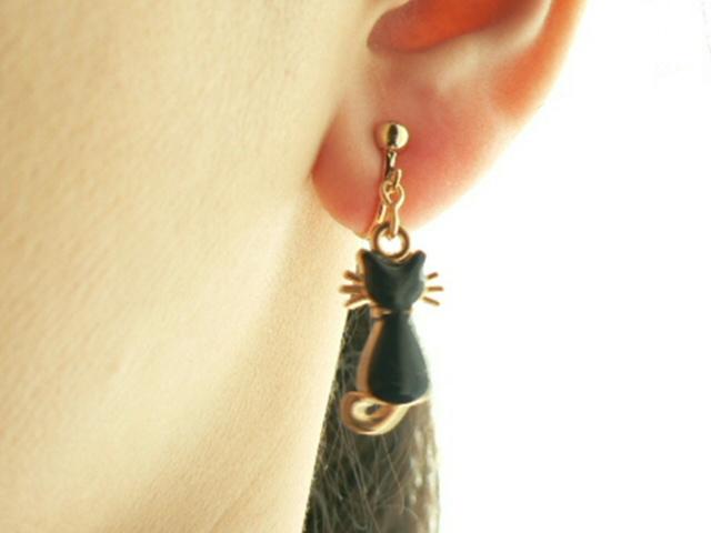 猫好きにはたまらない^^黒猫のイヤリング