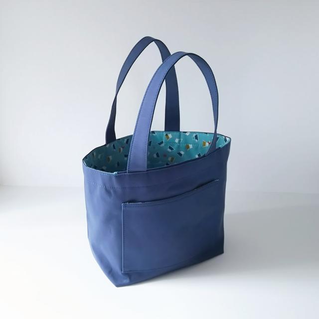 ★富士山★和柄★フラップで荷物をカバー★ブルー×富士山柄(水色)11号帆布トートバッグ