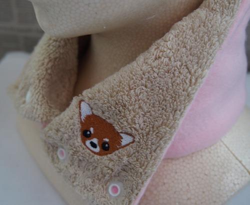 チワワの刺繍入りカイロポケット付タオルネックウォーマー(スーピマ超長綿・子供用ピンク)