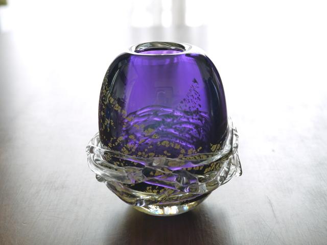 濃紫色花器
