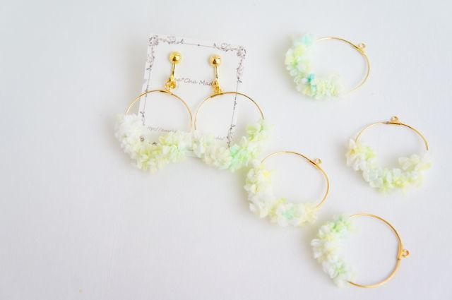 初夏の泡(あぶく) の 毛糸 イヤリング or ピアス