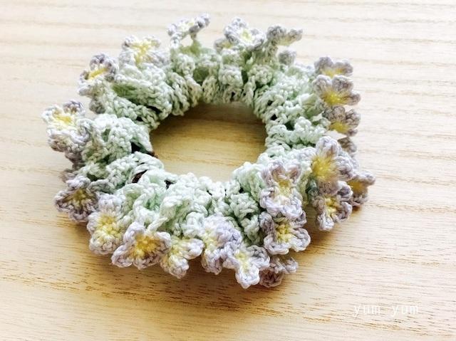 淡色草花のコットンシュシュ