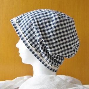 夏に涼しく下地にもなる ゆったりガーゼ帽子 紺チェック/水色(CGL-003-B)