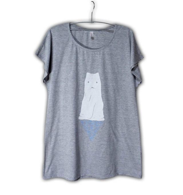 布の中に猫か犬がいる Tシャツワンピース