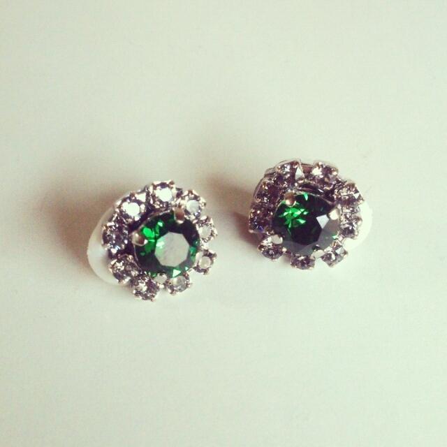 SWAROVSKI flower earring◆グリーン