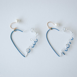 Arty Wire Pierced Earrings - oui non heart DARK BLUE