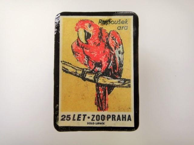 チェコ マッチラベルブローチ2793