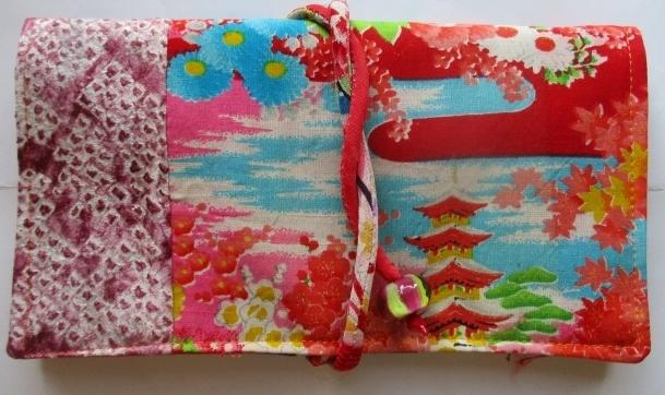 送料無料 絞りと花柄の着物で作った和...