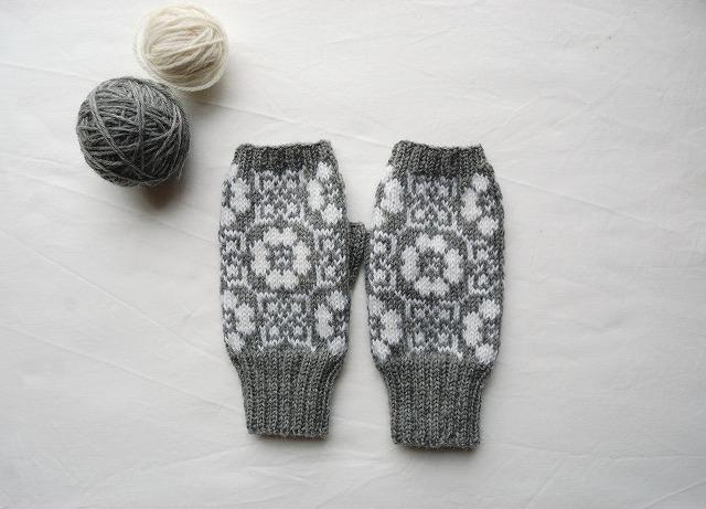 手編みの指なしミトン【野原】 グレー×白