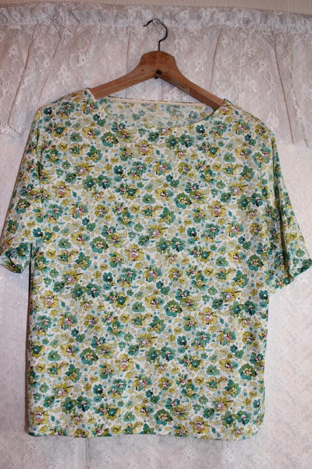 ボートネックのTシャツ **L~LL