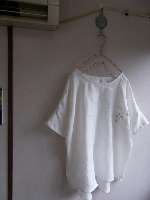 刺繡リネンプルオーバー