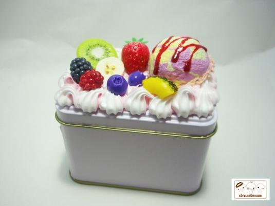 【値下げ】ピンク&白ホイップの小物入れ缶