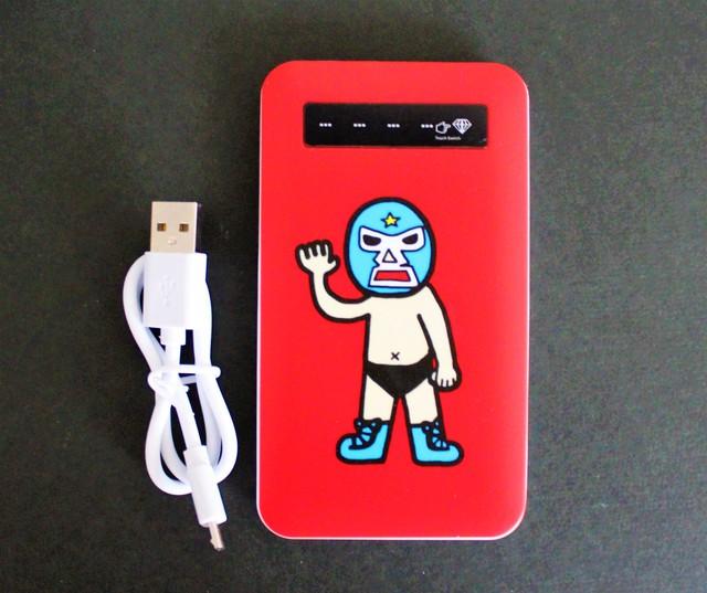 モバイルバッテリー マスクマン赤