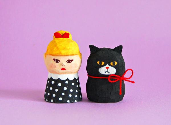 木彫り人形セット 赤いリボン女の子と...