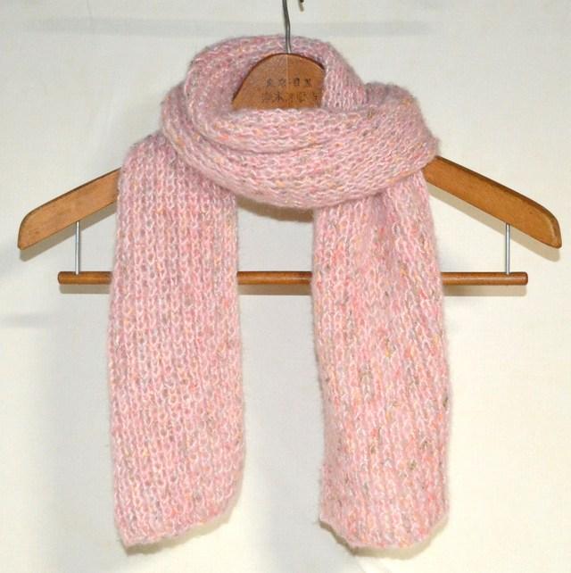ファンシー毛糸のマフラー ピンク系