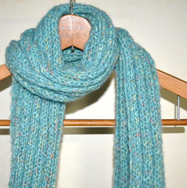 ファンシー毛糸のマフラー ブルー系