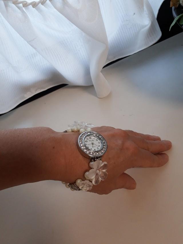 アクリルフラワーの腕時計