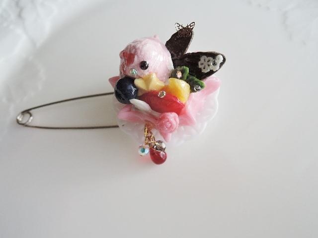☆アウトレット品:乙女なワッフルケーキ☆ブローチ(562)