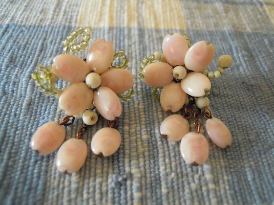 送料無料 ひらひら桜の花びらのピアス