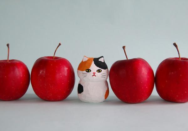 木彫り人形ネコ 三毛猫  [MWF-078]