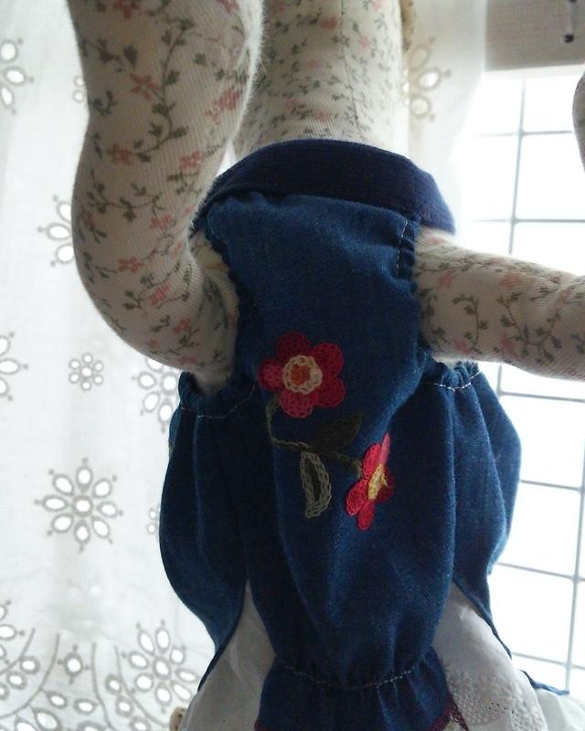 刺繍ワンピ 小花タイプ
