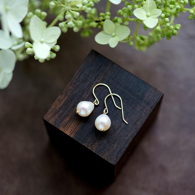 K18ドロップ真珠の一粒ピアス 〜Tonia