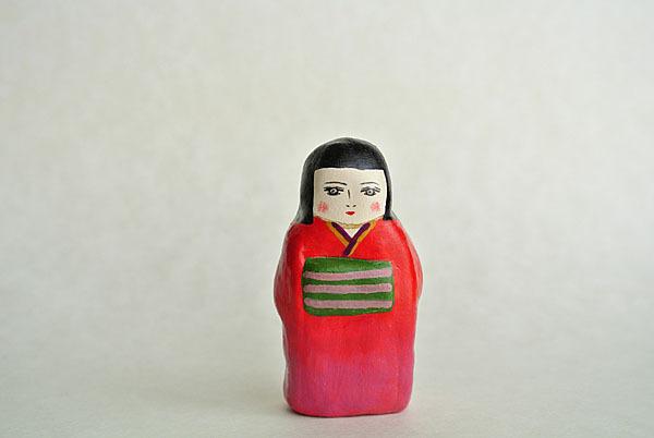 赤い着物の女の子
