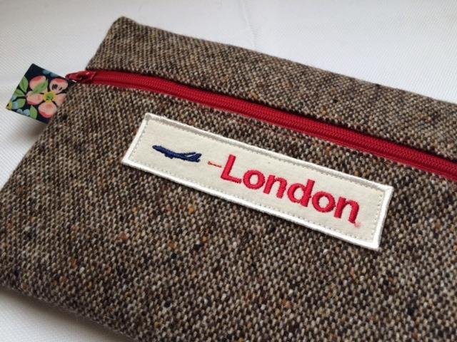 ウールのポーチ(ロンドン、リバティ)