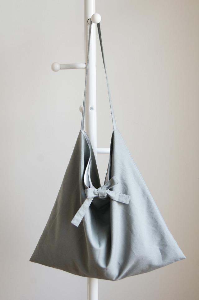 リボンのショルダーバッグ(スモークグレー)