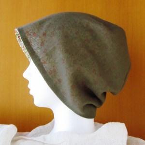 夏に涼しく下地にもなる ゆったりガーゼ帽子 カーキ/花柄(CGL-003-K)
