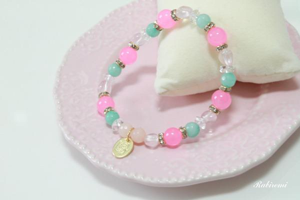 ピンク×水色・天然石ブレスレット
