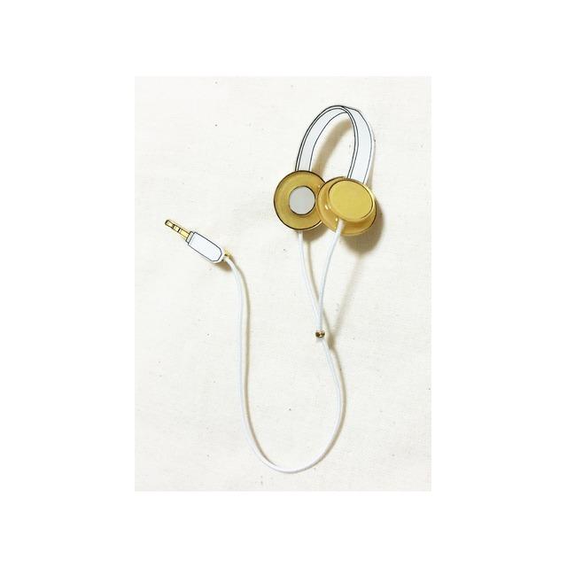 headphone brooch / gold+white