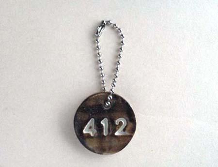 陶器のナンバーチャーム[412・茶]〈送料無料〉