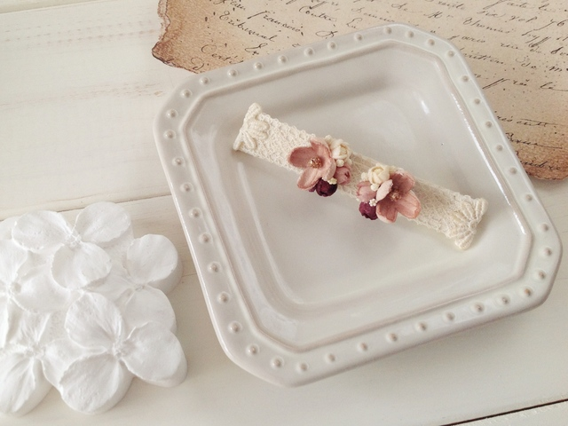 染め花の小花と蕾のピアスA(マロンピンク)