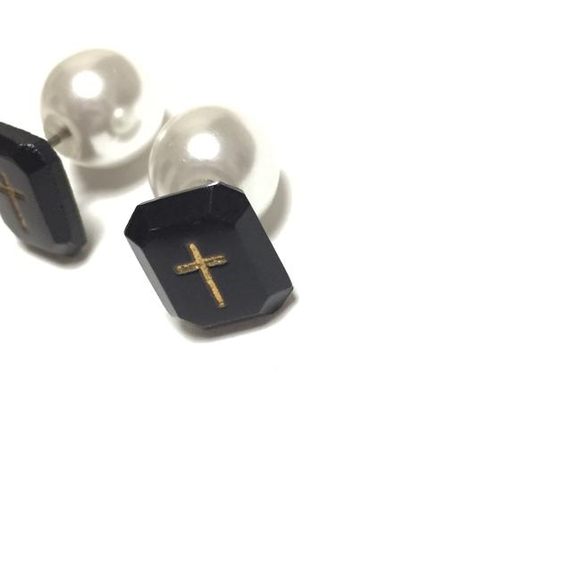 黒と白の十字(ヴィンテージの十字架と...