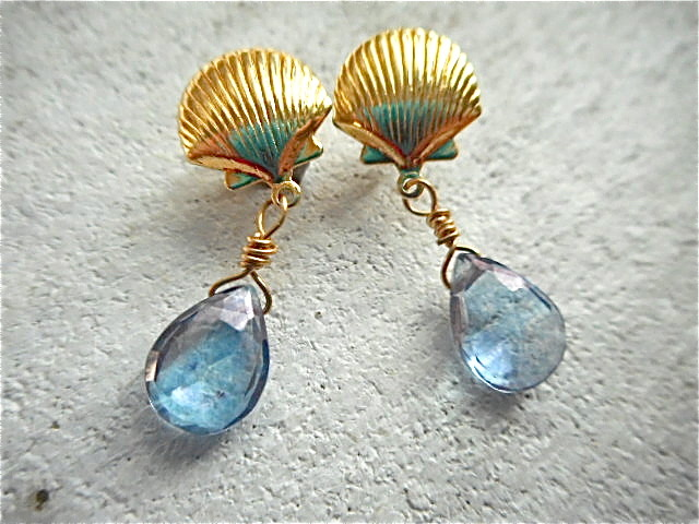 人魚の夜空 Mystic Blue Quartz Shell Earrings